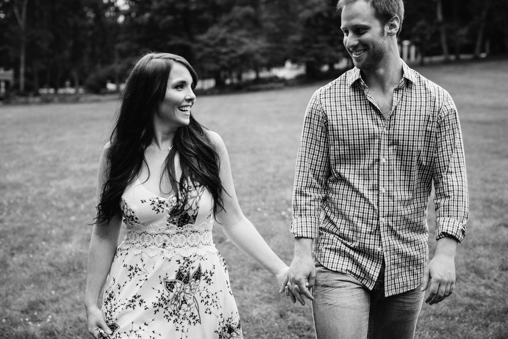 Yaddo garden engagement photo18.jpg