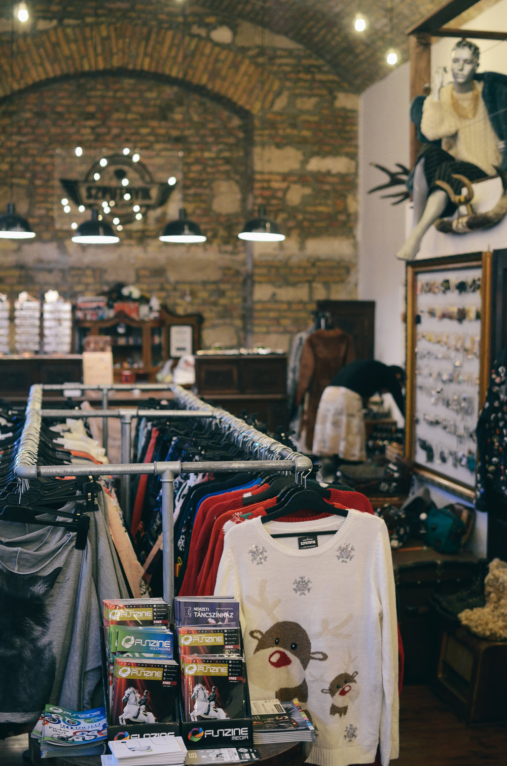 ^^ there are a ton of vintage shops sprinkled around the city. pop in for a browse, you'll definitely find a souvenier