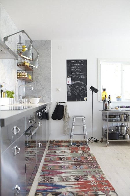 kilim-in-kitchen-louise-svd-mag.jpg