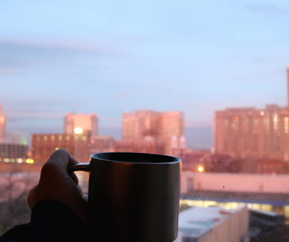 And still, a sunset with my (decaf) coffee.