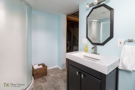 3957-Quincy-St-Columbia-Heights-MN-55421-15-bath.jpg