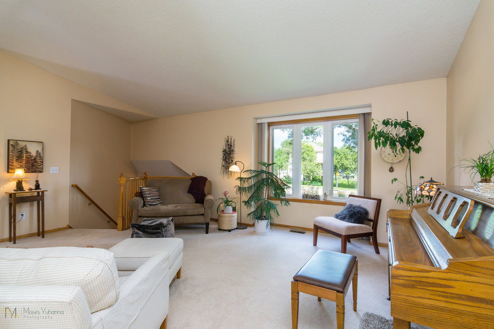 1217-81st-avenue-n-brooklyn-park-mn-Living rm 4.jpg