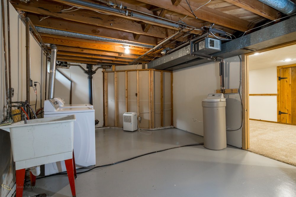 14041-crosstown-blvd-nw-andover-mn-55304-laundry.jpg
