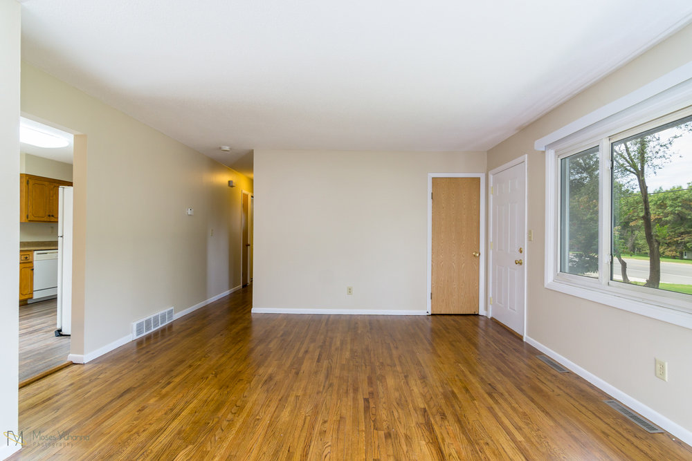 14041-crosstown-blvd-nw-andover-mn-55304-living room.jpg