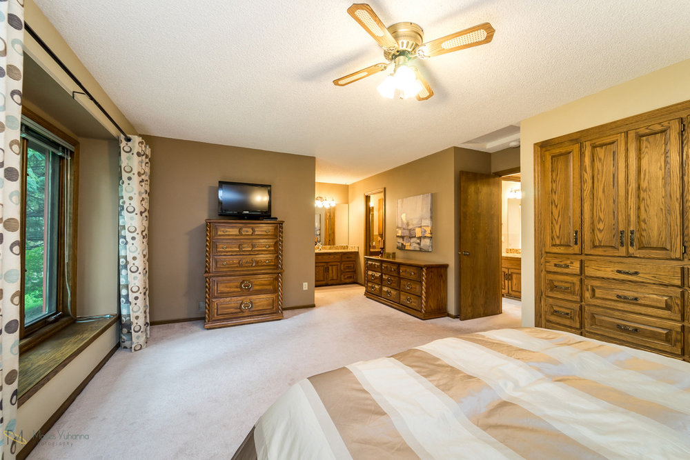 205-119th-avenue-nw-coon rapids-mn master bedroom2.jpg