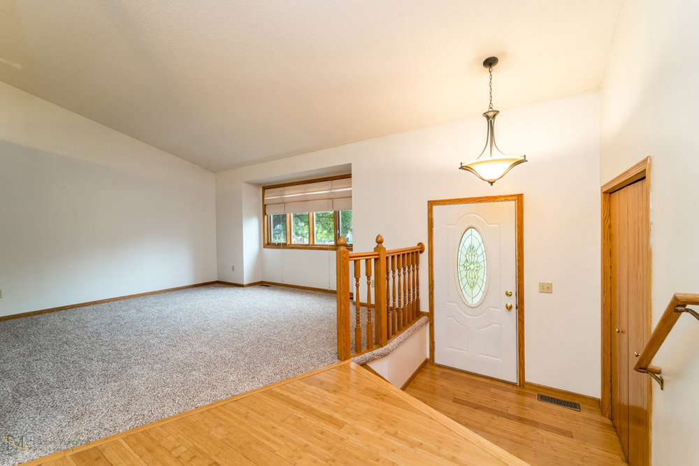 13270-marigold-street-nw-coon rapids-entry lr.jpg