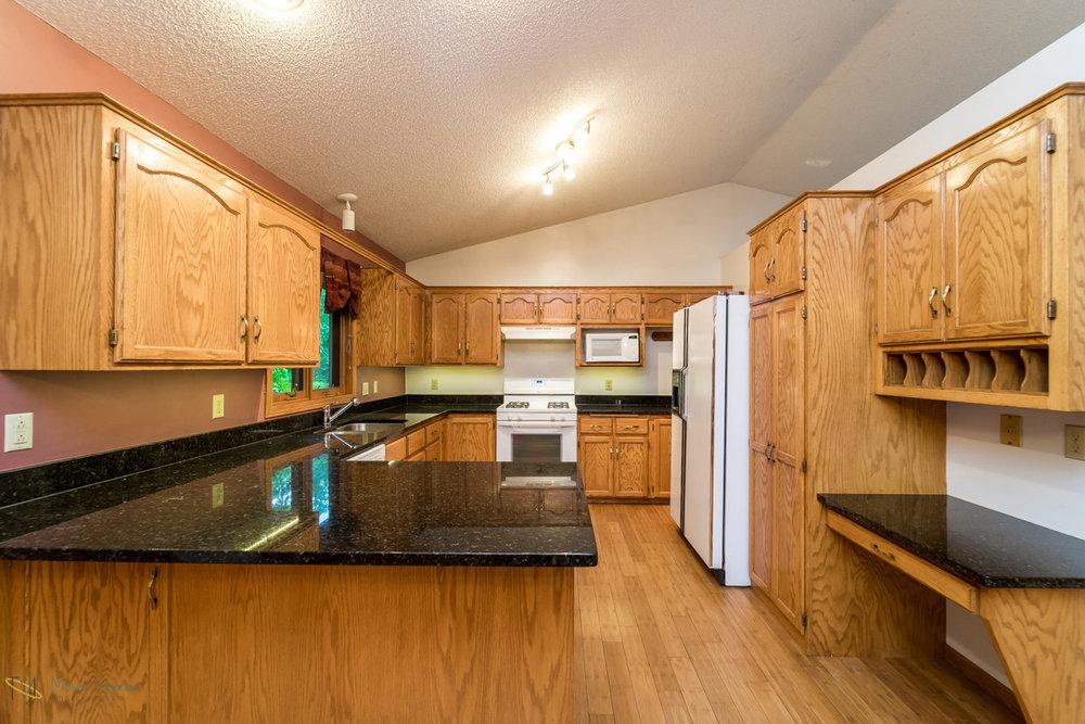 13270-marigold-street-nw-coon rapids-kitchen1.jpg