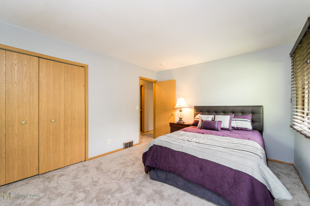 10405-39th-avenue-n-plymouth-mn-bedroom1 2.jpg