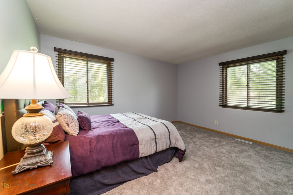 10405-39th-avenue-n-plymouth-mn-bedroom1.jpg