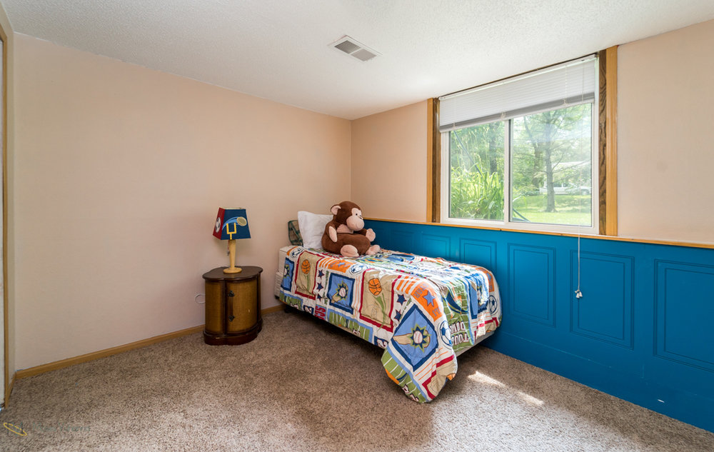 10405-39th-avenue-n-plymouth-mn-bedroom3.jpg
