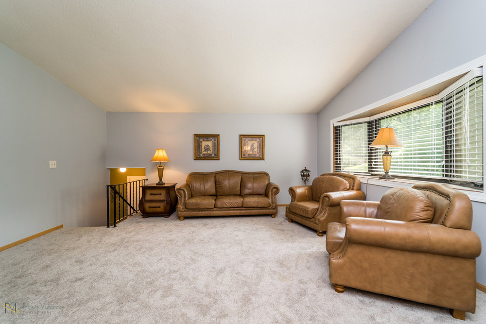10405-39th-avenue-n-plymouth-mn-living room.jpg