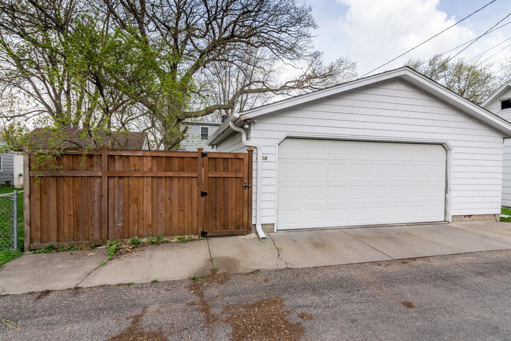 1608-alameda-street-st paul-mn garage.jpg