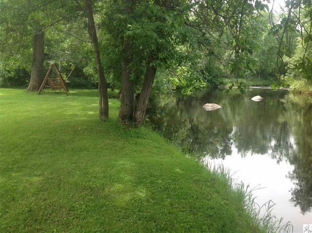 3773-skog-road-kettle river-river bank.JPG
