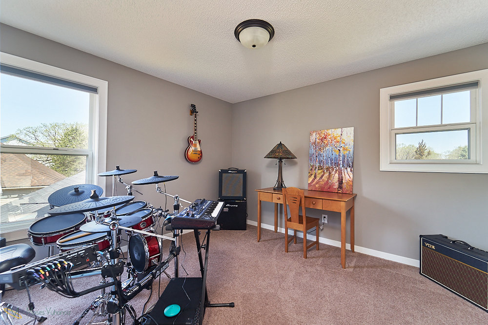 5938-151st-lane-nw-ramsey-mn-bedroom-3.jpg