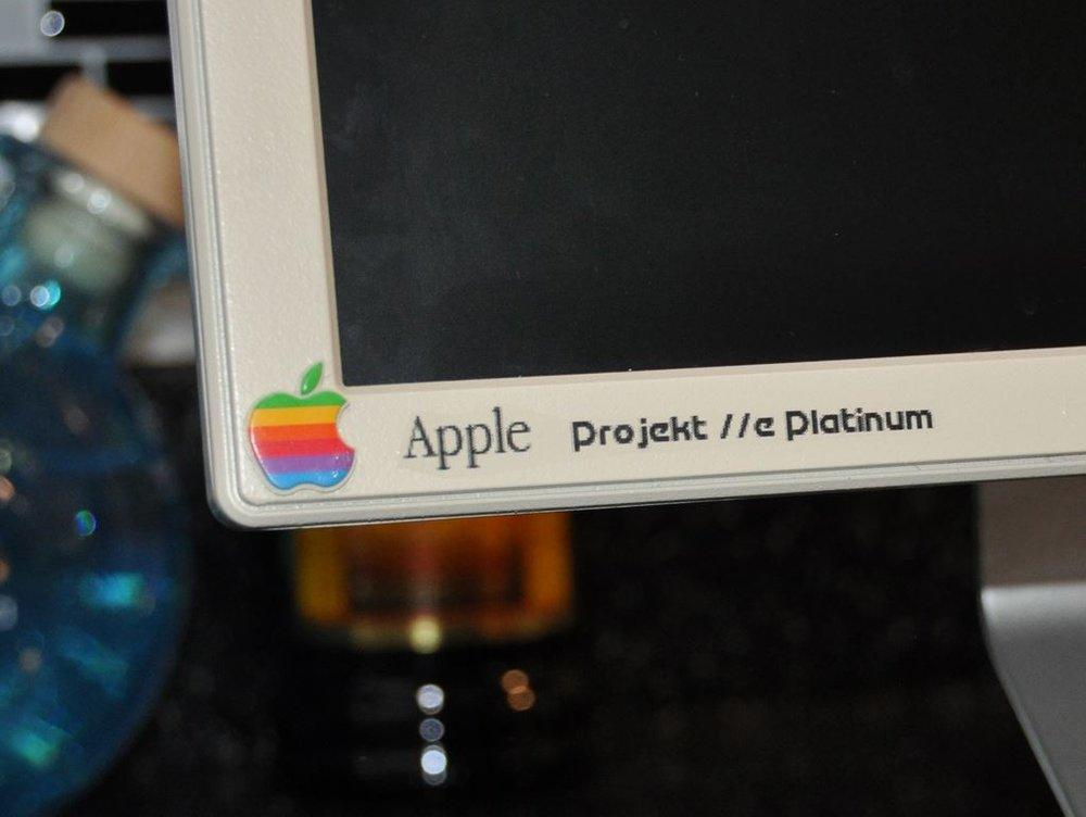 Custom Apple //e Platinum labeling