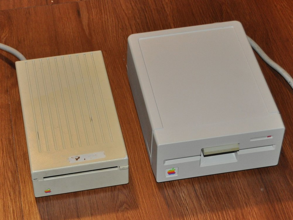 Apple II floppy drives before and after retrobrite