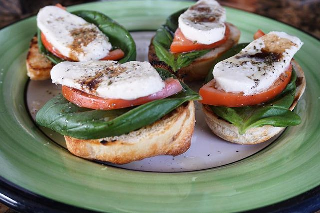 Caprese Pizzette, made on our fresh house made bread, this dish is a great starter or a fun item for anyone! #JimmysKouzina