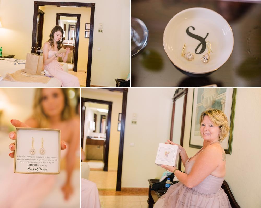 Destination Wedding Photography_Riu Palace Riviera Maya_Playa Del Carmen_Mexico_gifts_Destination Wedding Photographer.jpg