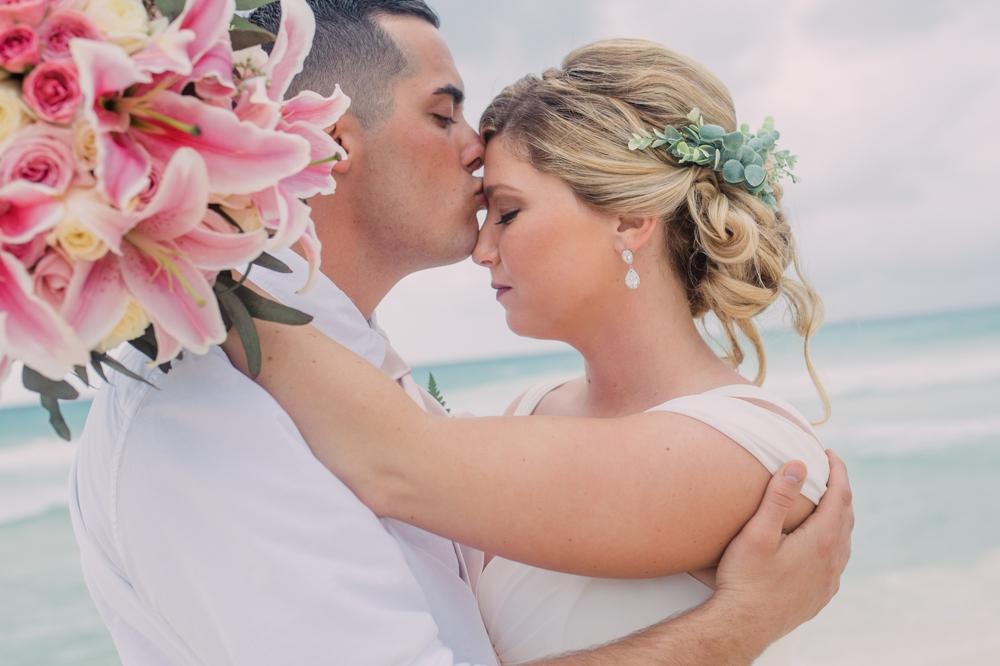 Destination Wedding Photography_Riu Palace Riviera Maya_Playa Del Carmen_Mexico_romantic portrait on beach_Destination Wedding Photographer.jpg