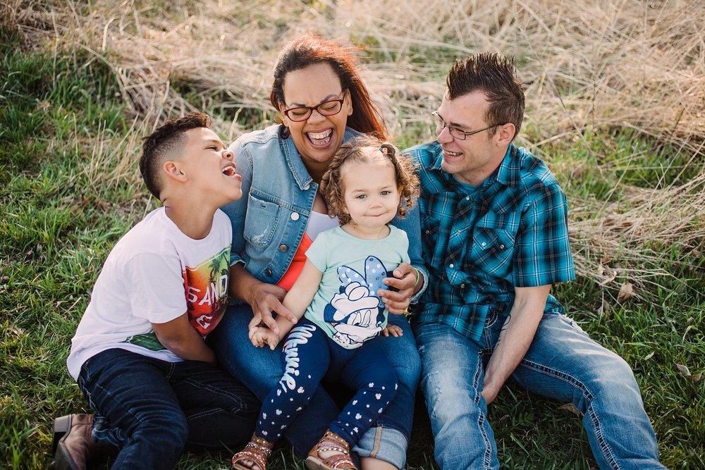family portrait Photography-brushy creek-lehigh-Iowa-family laughing together-Iowa family portrait Photographer.jpg