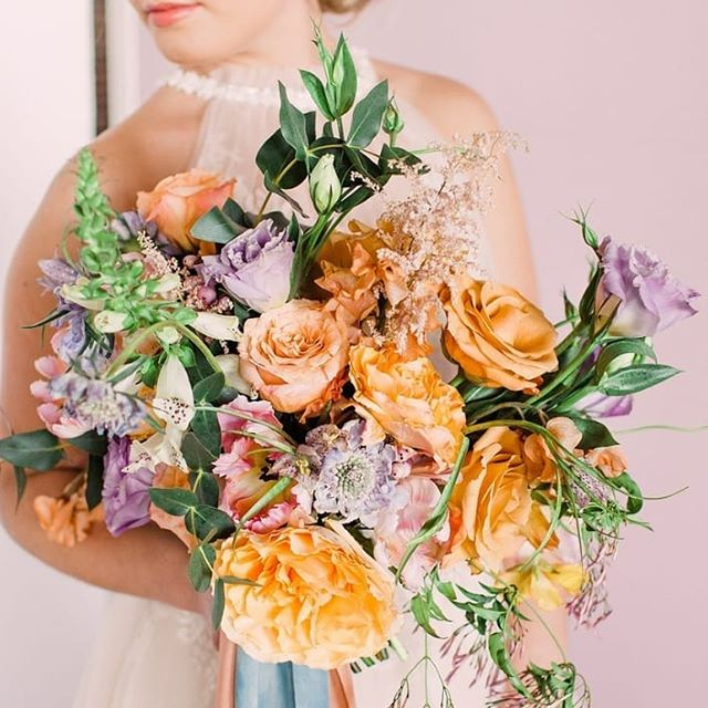 February always has me looking forward to the gorgeous spring colors! We are so close...just a few more months and it will be bright and beautiful out. Florals by the talented @augustwolffloral 🌷 . . . #springiscoming #floraldesign #florist #iowaportraitphotography #styledshoot #bridalbouquet #spring2019 #jaymepetersphotoandfilms