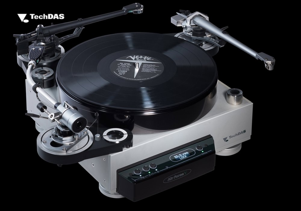 TechDAS Air Force V Turntable with Three Tonearms