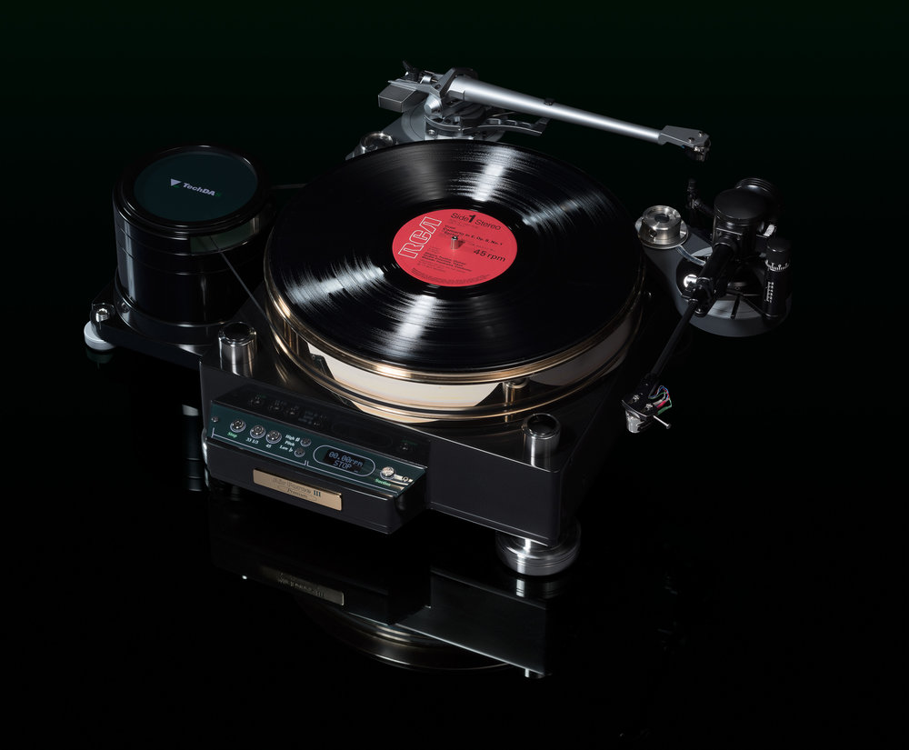 TechDAS Air Force THREE Premium Turntable - The Best Compact Turntable in the World?