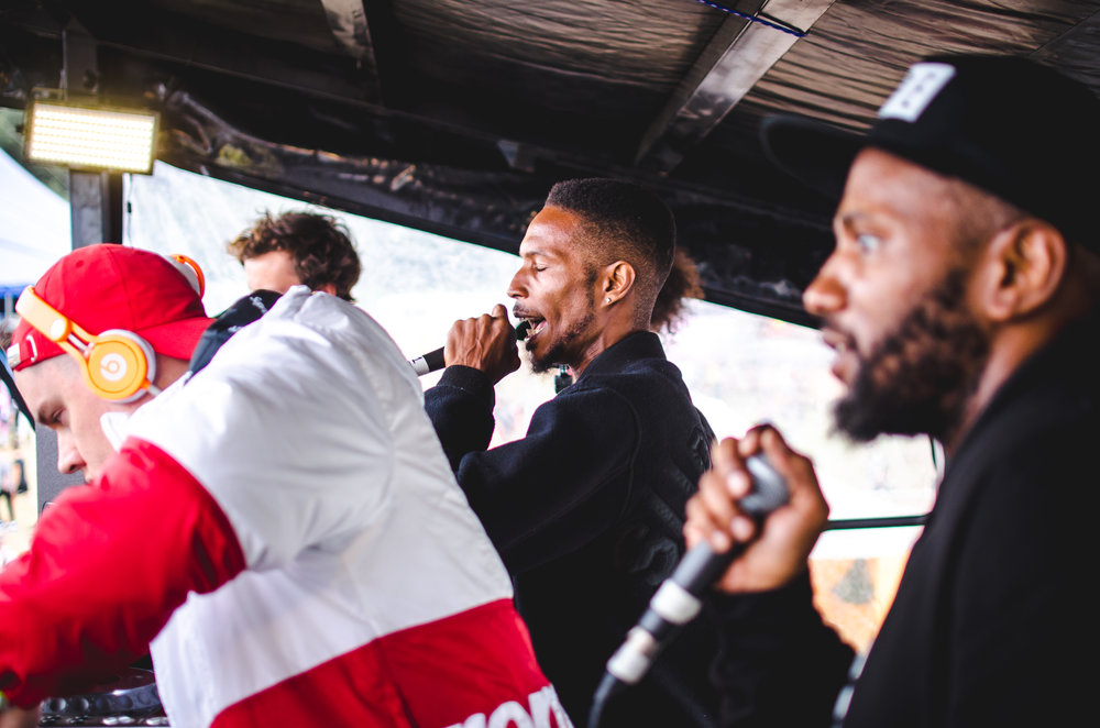 Logan Sama & Newham Generals on top of the Nando's tent at Bestival 09/09/16