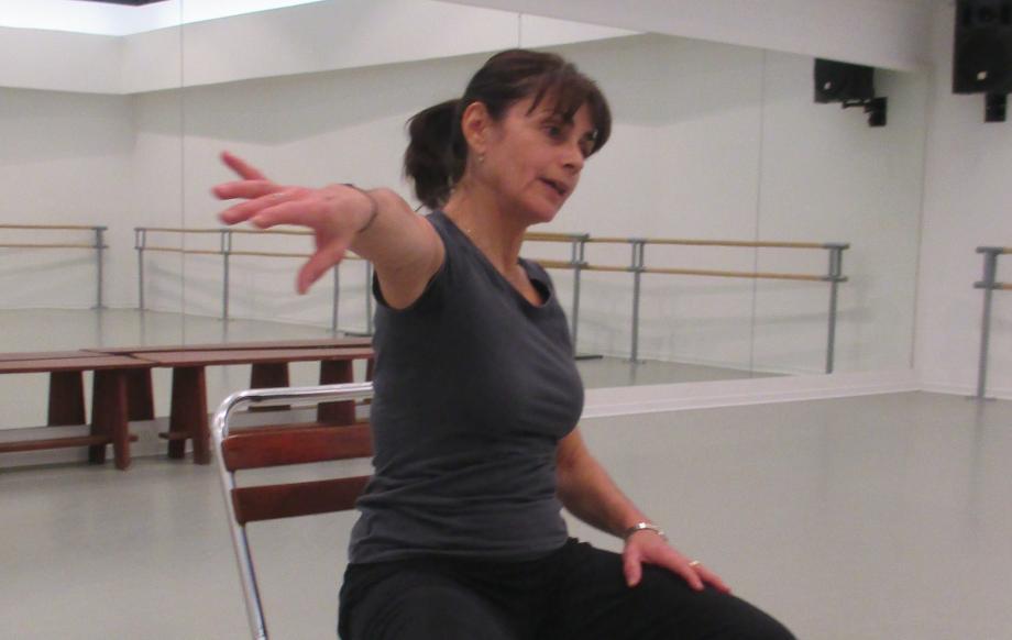 La professeure Karine Chèvre au cours séniors à Mougins - Photo Isabelle Varitto