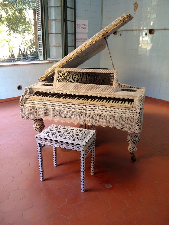 """Piano Dentelle #2"", obra de joana vasconcelos"