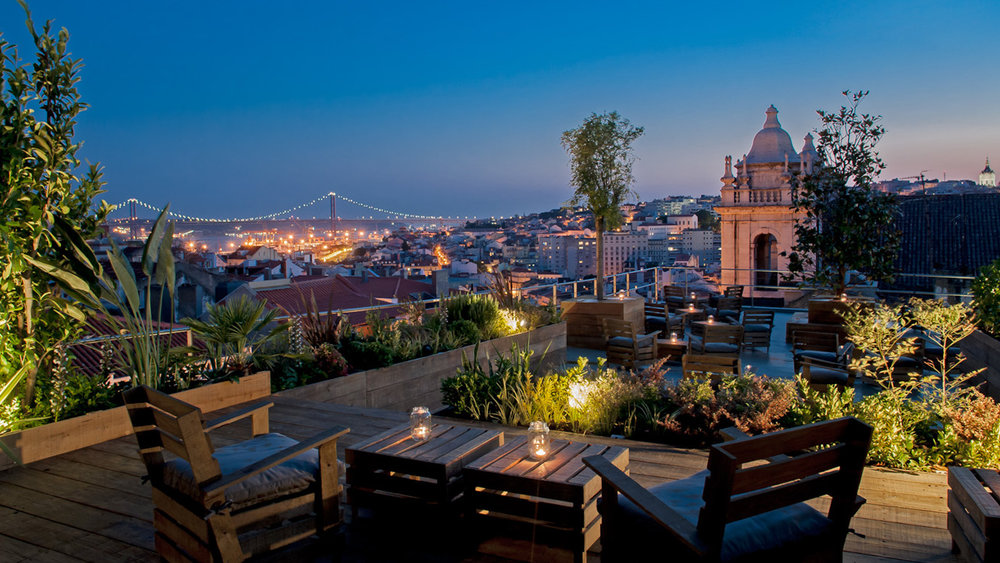 Vista do 'Park' Rooftop, em Lisboa. Foto: https://suitcasemag.com/wp-content/uploads/2015/07/park-lisbon-feature-edited.jpg