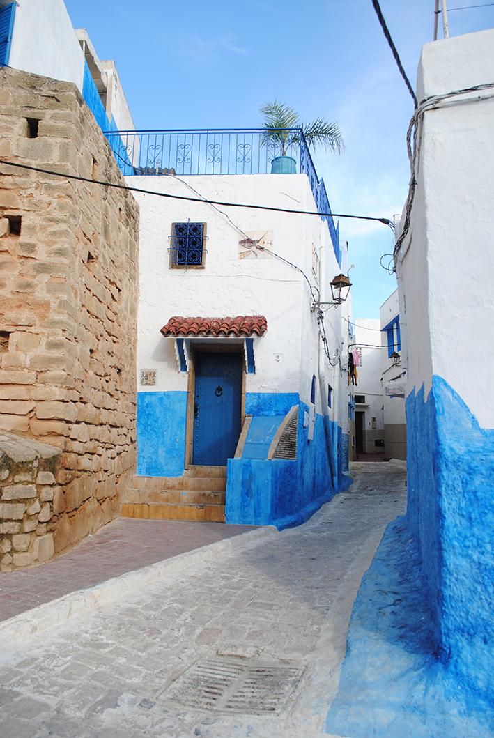 centro histórico - circuito labiríntico de casas pintadas de azul e branco