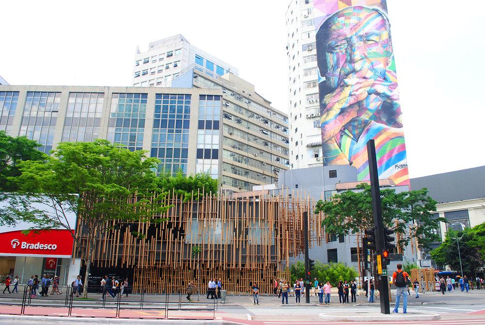 Vista da Japan House a partir da Avenida Paulista