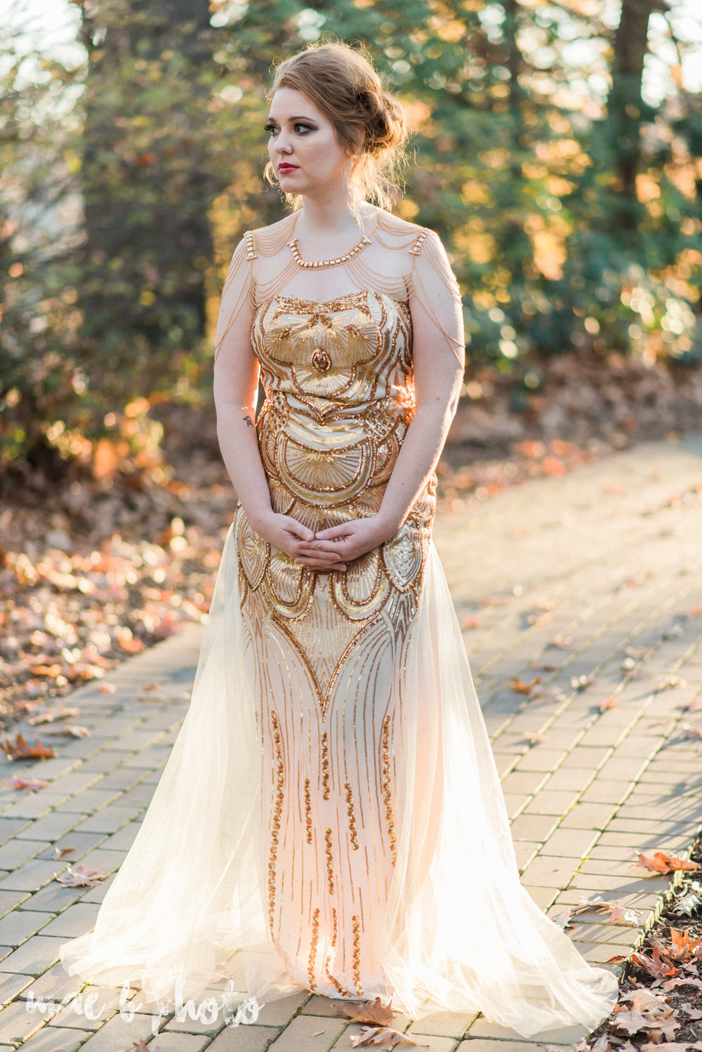 great gatsby inspired golden hour shoot in mill creek park-29.jpg
