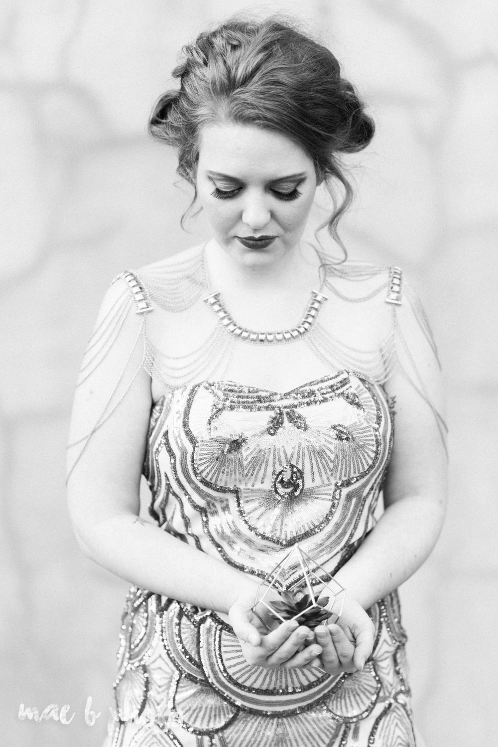 great gatsby inspired golden hour shoot in mill creek park-25.jpg