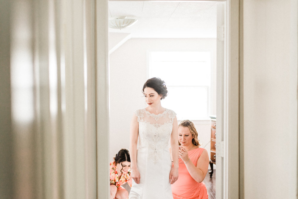 summer wedding in cleveland ohio photographed by cleveland wedding photographer mae b photo-5.jpg