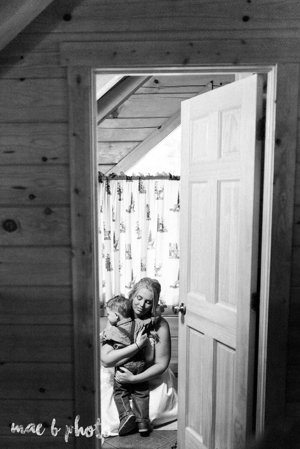 bobbi and pat's intimate fall cabin elopement in hocking hills old man's cave and rock house in logan ohio photographed by youngstown wedding photographer mae b photo-34.jpg