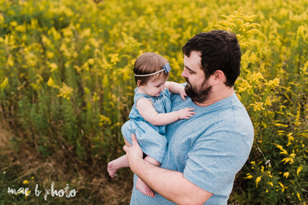 lauren and mike's fall family session and five year anniversary session at mill creek metroparks farm in canfield, ohio photographed by youngstown wedding photographer mae b photo-10.jpg