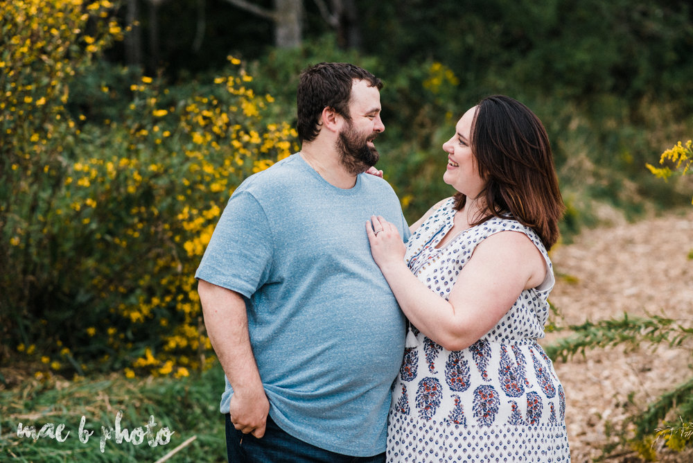 lauren and mike's fall family session and five year anniversary session at mill creek metroparks farm in canfield, ohio photographed by youngstown wedding photographer mae b photo-20.jpg