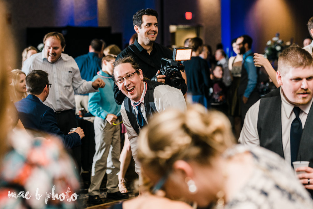 behind the scenes of becca and rich's large and personal fall wedding at the metroplex in liberty ohio and mckinley memorial library in niles ohio photographed by youngstown wedding photographer mae b photo-7.jpg