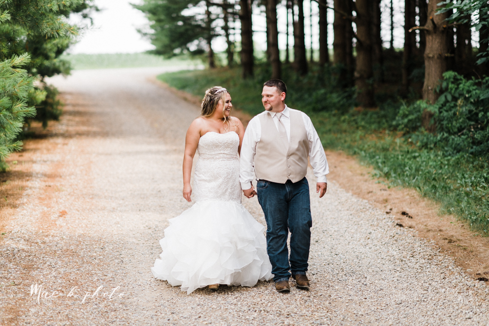 elizabeth and dan's intimate rustic summer july barn wedding at the barn and gazebo in salem ohio photographed by youngstown wedding photographer mae b photo-35.jpg