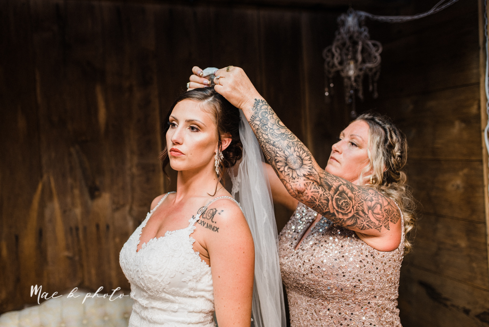 chelsea and jared's simple and elegant rustic barn wedding at my wish weddings in new springfield ohio photographed by youngstown wedding photographer mae b photo-30.jpg