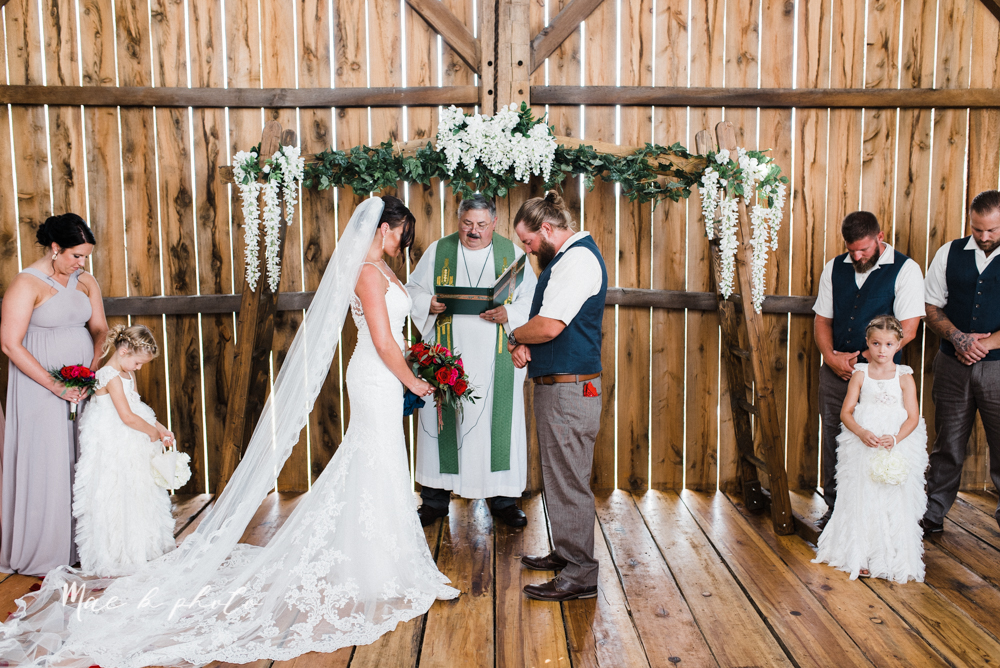 chelsea and jared's simple and elegant rustic barn wedding at my wish weddings in new springfield ohio photographed by youngstown wedding photographer mae b photo-44.jpg
