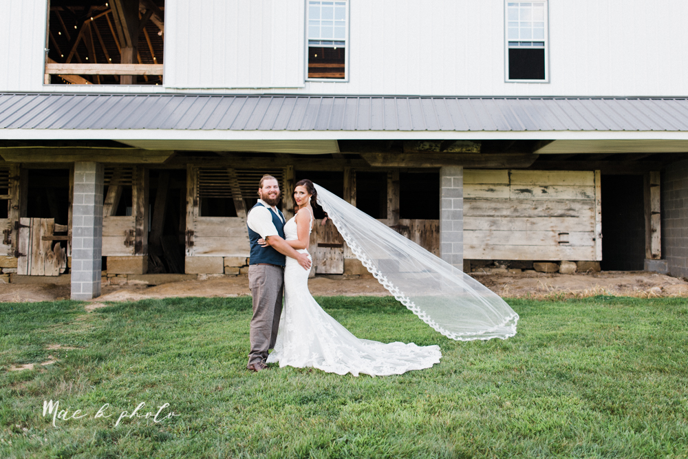 chelsea and jared's simple and elegant rustic barn wedding at my wish weddings in new springfield ohio photographed by youngstown wedding photographer mae b photo-91.jpg