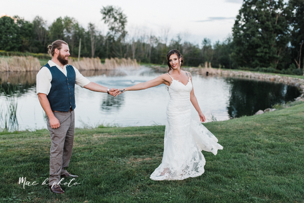 chelsea and jared's simple and elegant rustic barn wedding at my wish weddings in new springfield ohio photographed by youngstown wedding photographer mae b photo-142.jpg