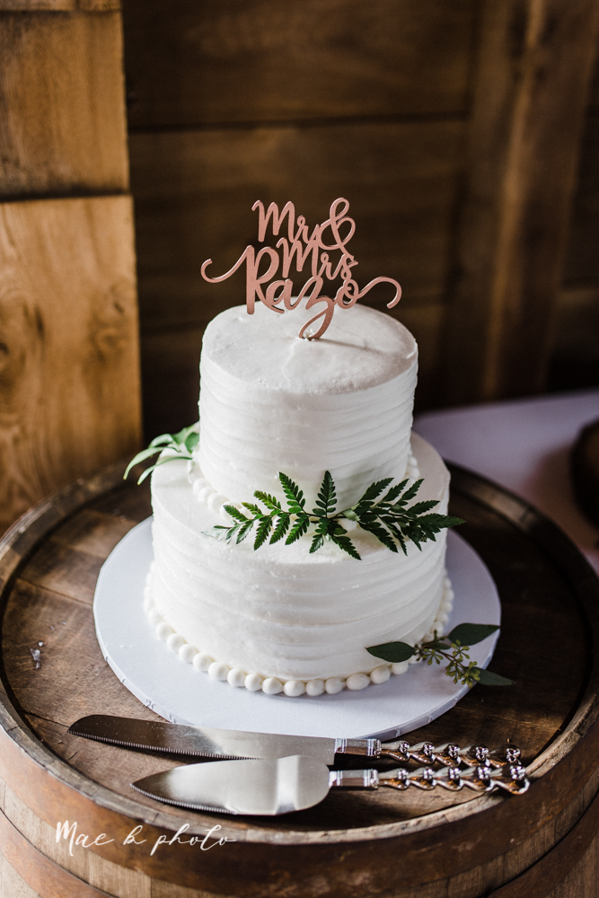 chelsea and jared's simple and elegant rustic barn wedding at my wish weddings in new springfield ohio photographed by youngstown wedding photographer mae b photo-208.jpg
