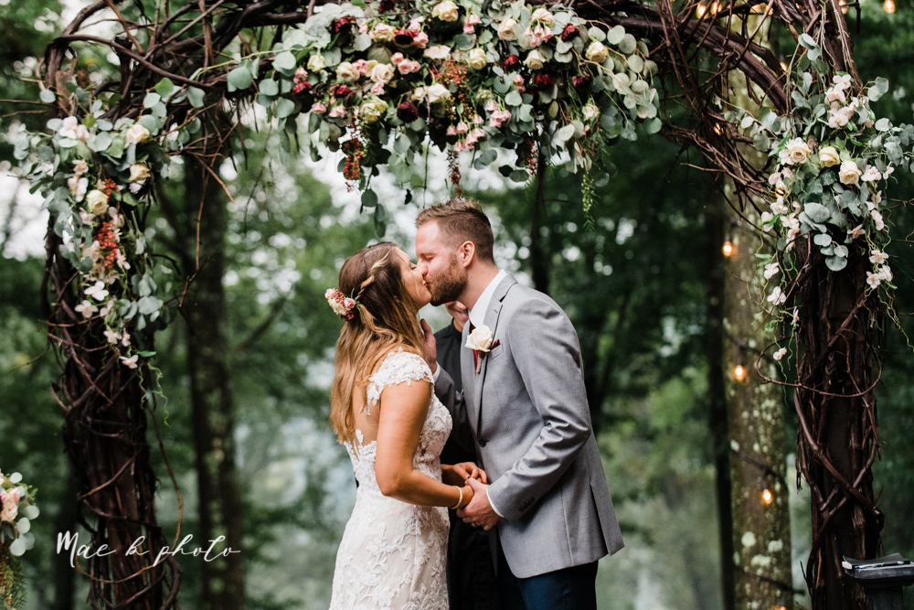 lauren and steve's romantic elegant sophisticated middle of the woods summer barn wedding at the grand barn event center in the mohicans in glenmont ohio photographed by youngstown wedding photographer mae b photo-154.jpg