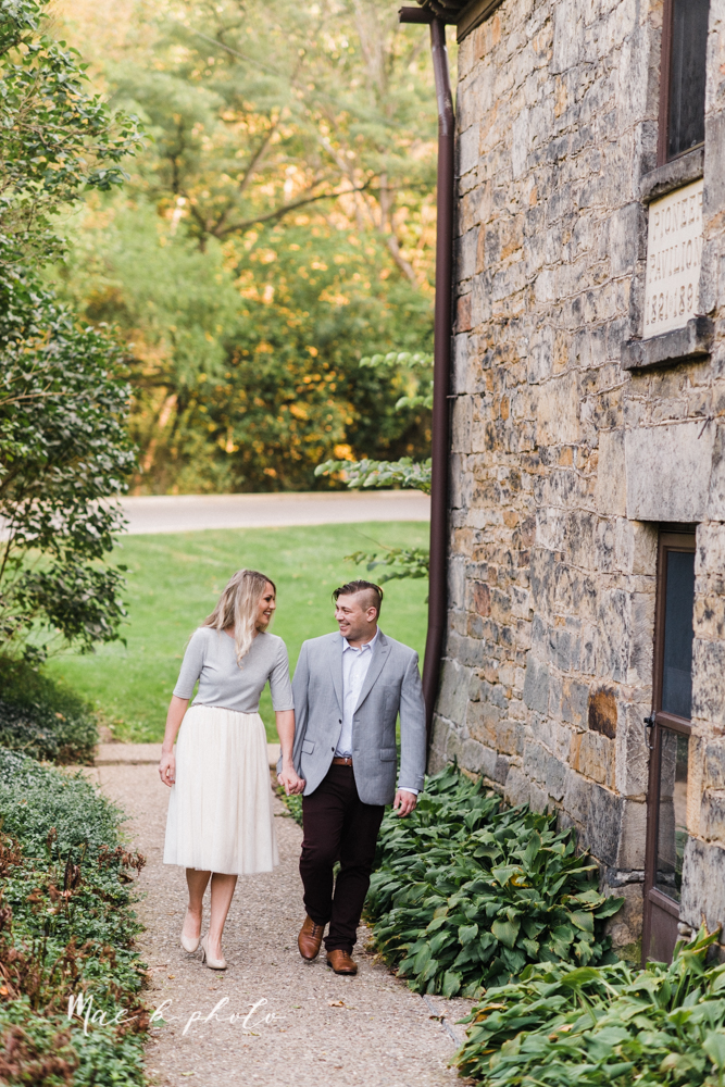 courtney and andy's vintage fall engagement session in mill creek park at pioneer pavilion and lake glacier in youngstown ohio photographed by youngstown wedding photographer mae b photo-16.jpg