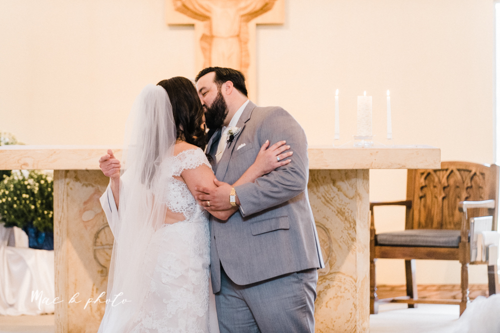 casey and matt's big fun italian fall wedding at st robert's church in cortland ohio and avion on the water in youngstown ohio and fellows riverside gardens in mill creek park photographed by youngstown wedding photographer mae b photo -99.jpg