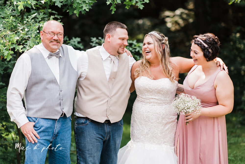 elizabeth+and+dan's+intimate+rustic+summer+july+barn+wedding+at+the+barn+and+gazebo+in+salem+ohio+photographed+by+youngstown+wedding+photographer+mae+b+photo-43.jpg